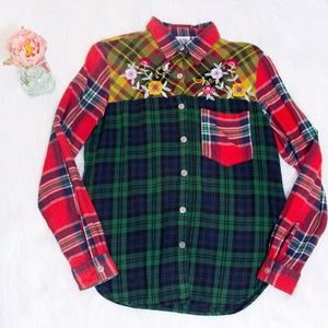 Rare Vtg 1970's Plaid Flannel w/ Floral Embroidery